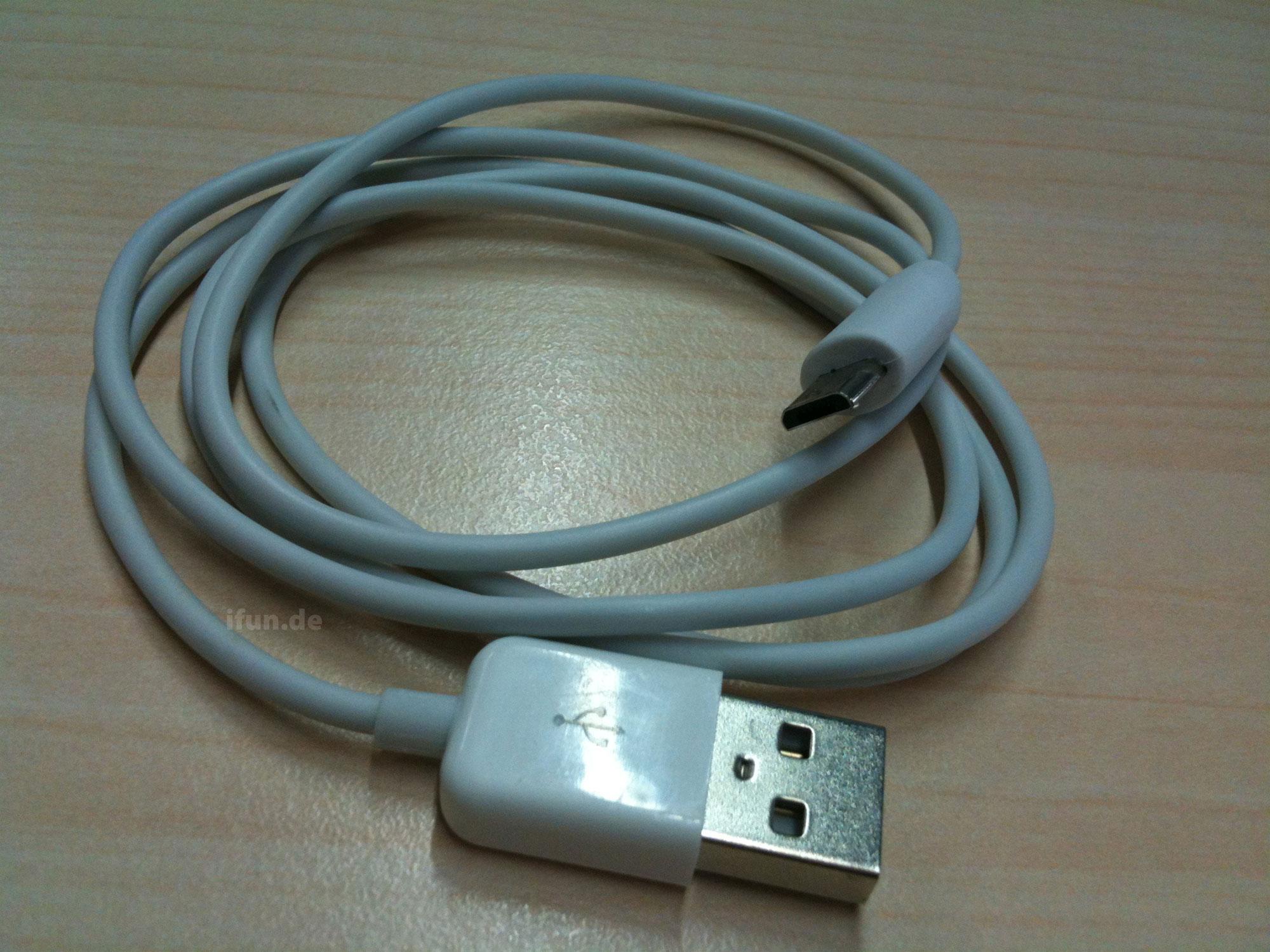 erste vorserien adapter micro usb kabel mit apple branding iphone. Black Bedroom Furniture Sets. Home Design Ideas