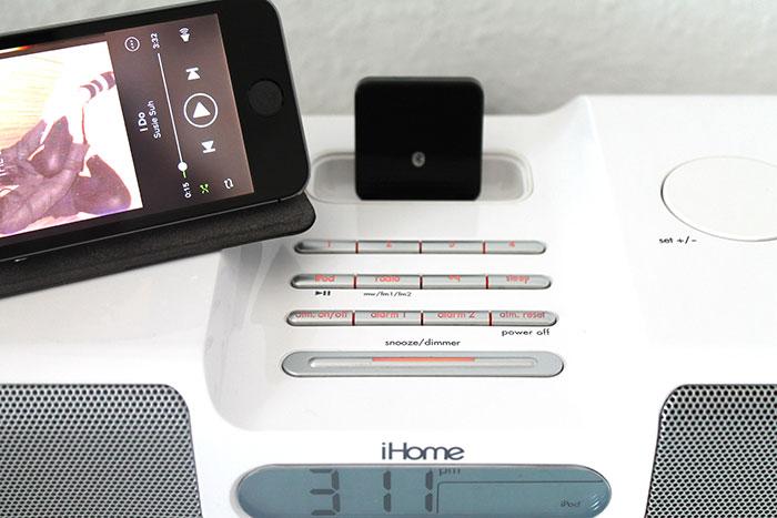 im videotest bluetooth adapter f r apples 30 pin docks. Black Bedroom Furniture Sets. Home Design Ideas
